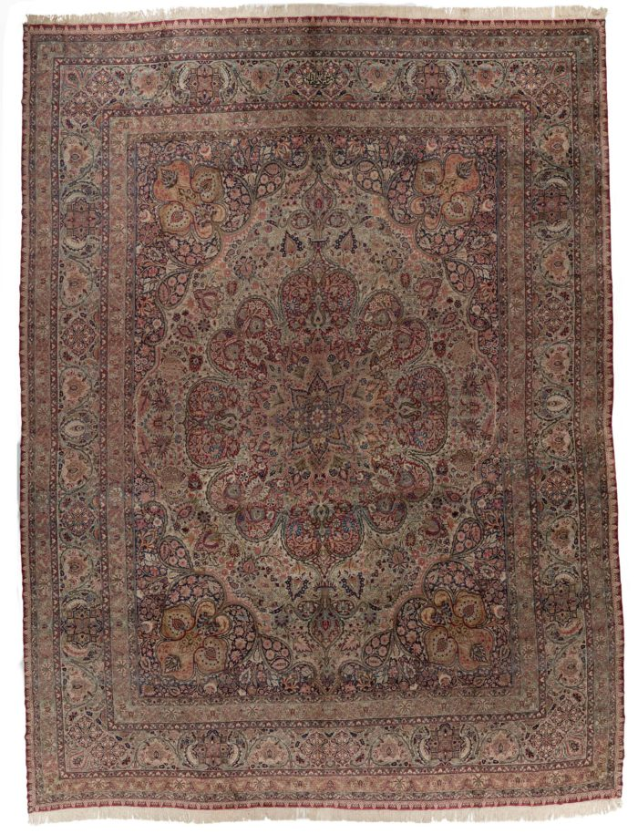 "Antique Kermanshah Rug 21'3""×26'6"""