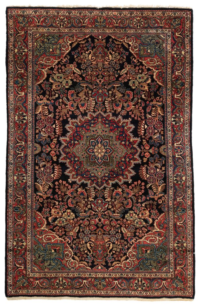 """Antique Persian Sarouk Rug 4'3""""×6'7"""""""